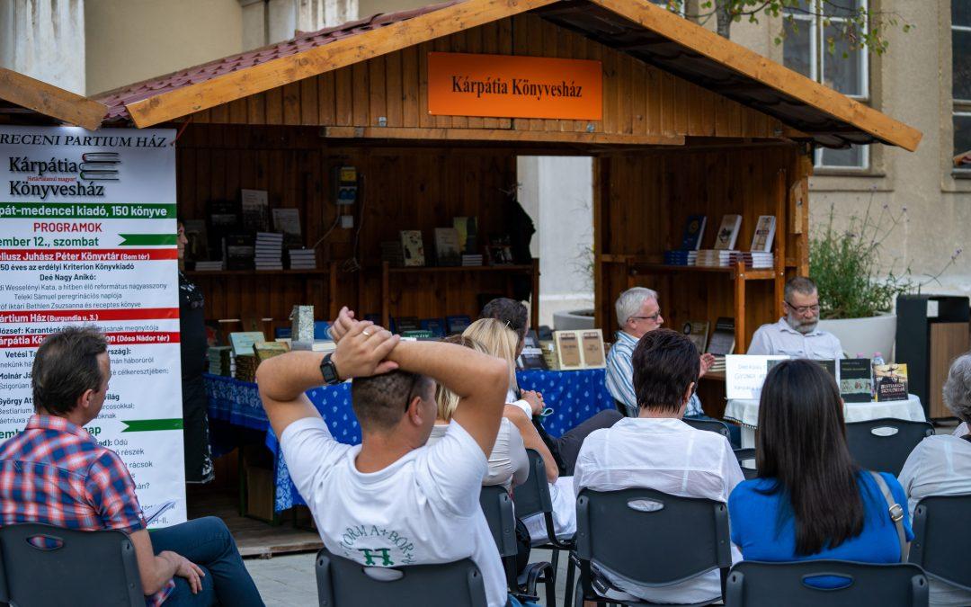 Magyarország legreprezentatívabb külhoni könyves seregszemléjét valósítottuk meg Debrecenben