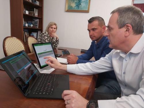 Interaktív, online távoktatási rendszer bevezetését tervezzük